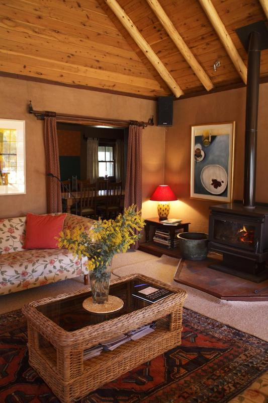WILDWOOD GUESTHOUSE - Luxury Country Getaway - Image 1 - Mudgee - rentals