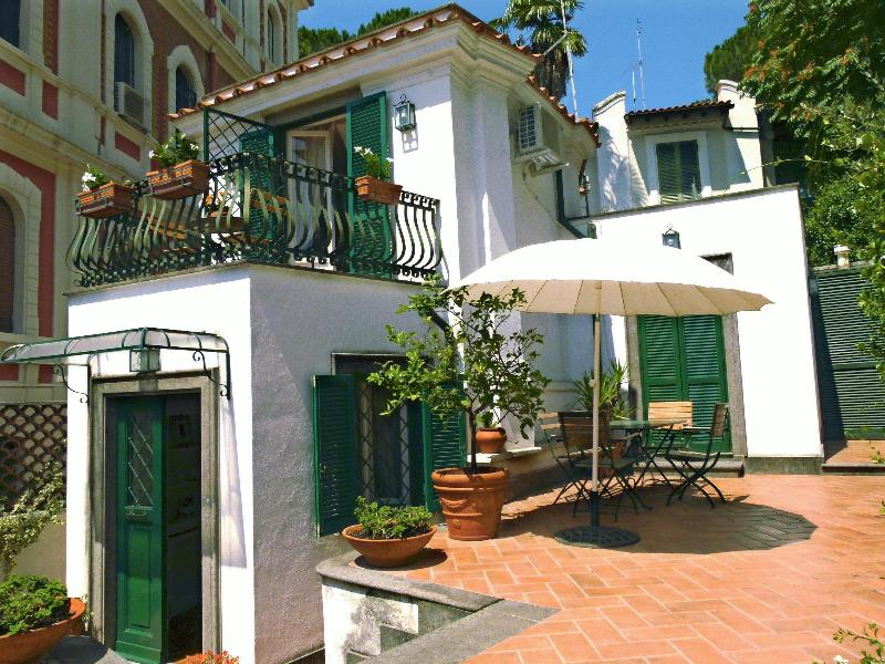 Exterior 1 - Lovely cottage in central Rome, l'Orangerie - Rome - rentals
