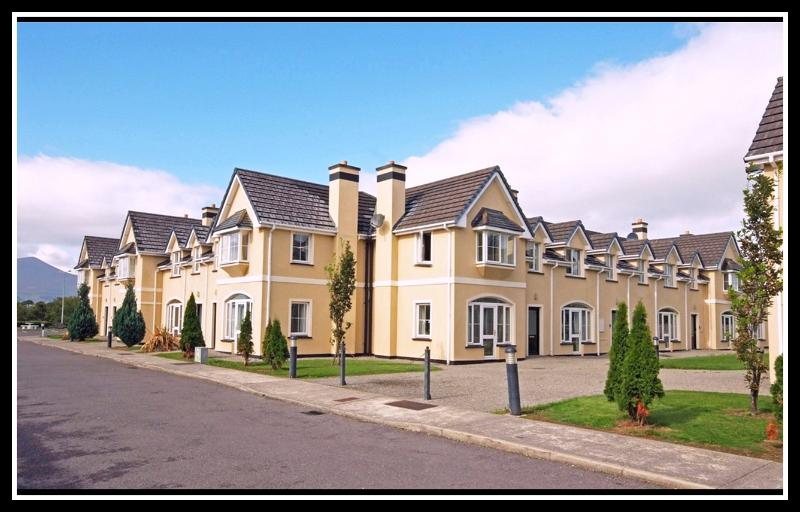 Blarney House Exterior View - Killarney Holiday Home by The Lakes,WiFi & Phone - Killarney - rentals