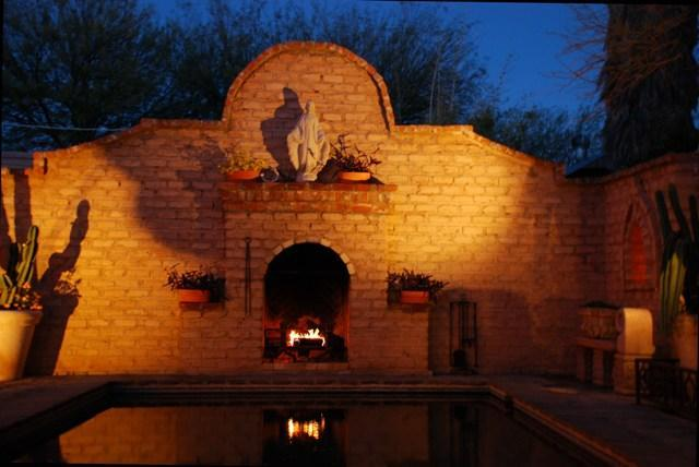 Outdoor Fireplace - *As seen in Better Homes And Garden Historic - Tucson - rentals