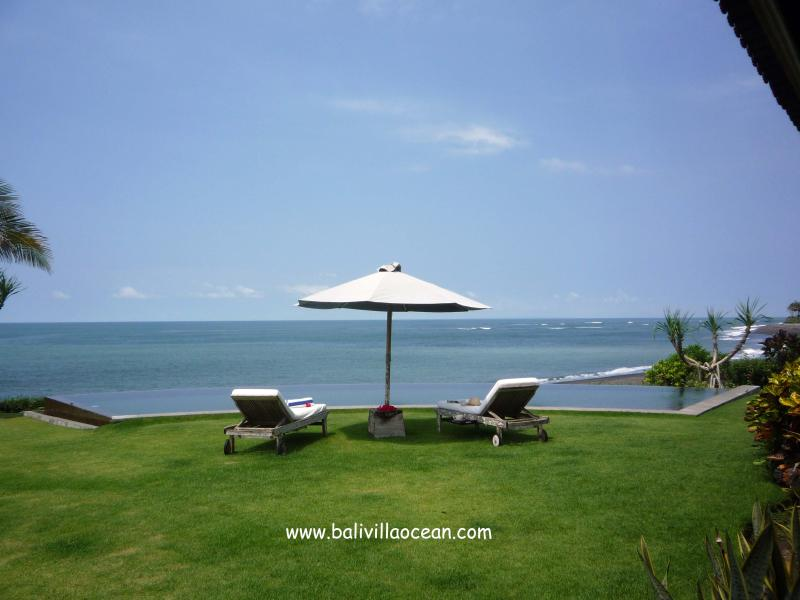 Bali Beach Villa Ocean Infinity Pool - Bali Beach Villa Ocean: most amazing beachfront ! - Canggu - rentals