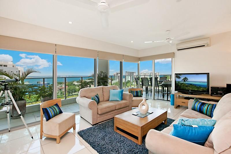 Lounge/Balcony - Beachlife Coral- Sleep up to 8 with Stunning Views - Darwin - rentals