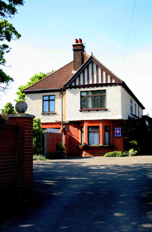 Lattice Lodge - Front Aspect - Large Edwardian House - Ideal for visiting Suffolk - Ipswich - rentals