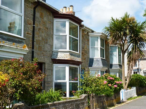 MERMAID COTTAGE, pet friendly, with a garden in Newlyn, Ref 7441 - Image 1 - Cornwall - rentals