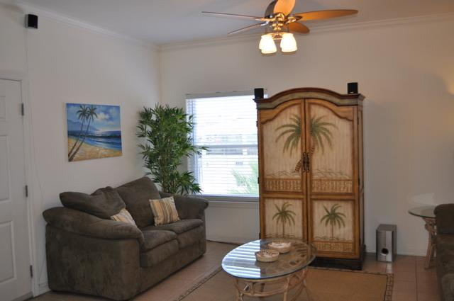 Living room - Beautiful Oceanview Condo with Inet, Pool, Hot tub - South Padre Island - rentals