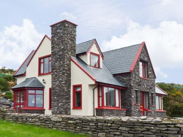 8 BENJAMIN CLOSE, pet friendly, with a garden in Waterville, County Kerry, Ref 4654 - Image 1 - Waterville - rentals