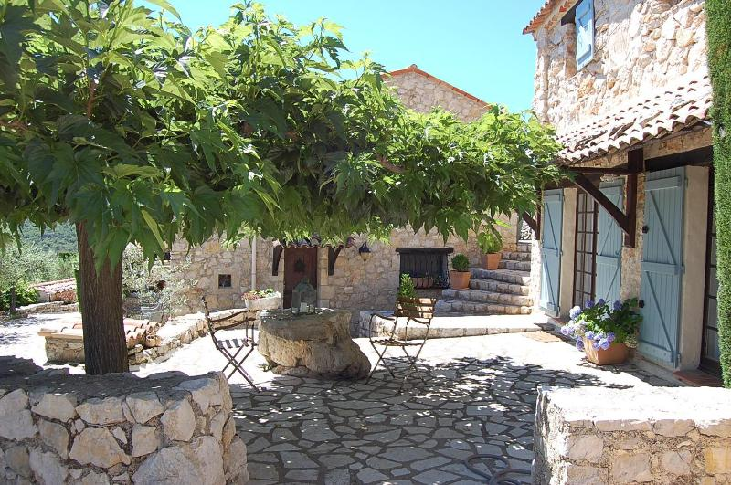 Terrace outside master bedroom - STUNNING 1- BEDROOM  IN PROVENCAL FARMHOUSE - Mons - rentals
