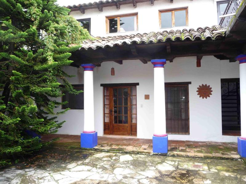 Patio - Furnished apartment in quiet historic neighborhood - San Cristobal de las Casas - rentals