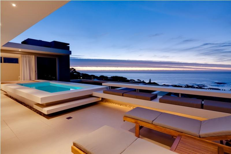 Penthouse plunge pool - Spectacular Sea View Aquatic Villa, Walk to Beach - Camps Bay - rentals
