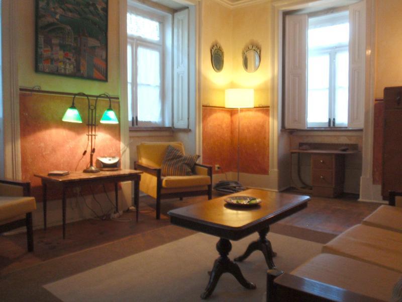living room - 5 room flat / trendy bohemian Bairro Alto, Lisbon. - Lisbon - rentals