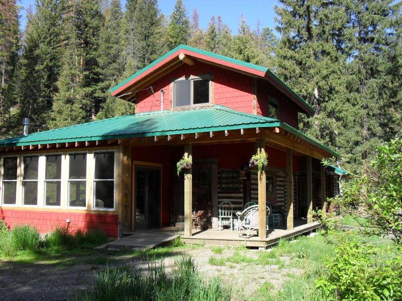 Front  - Creekfront Cabin - Helena - rentals