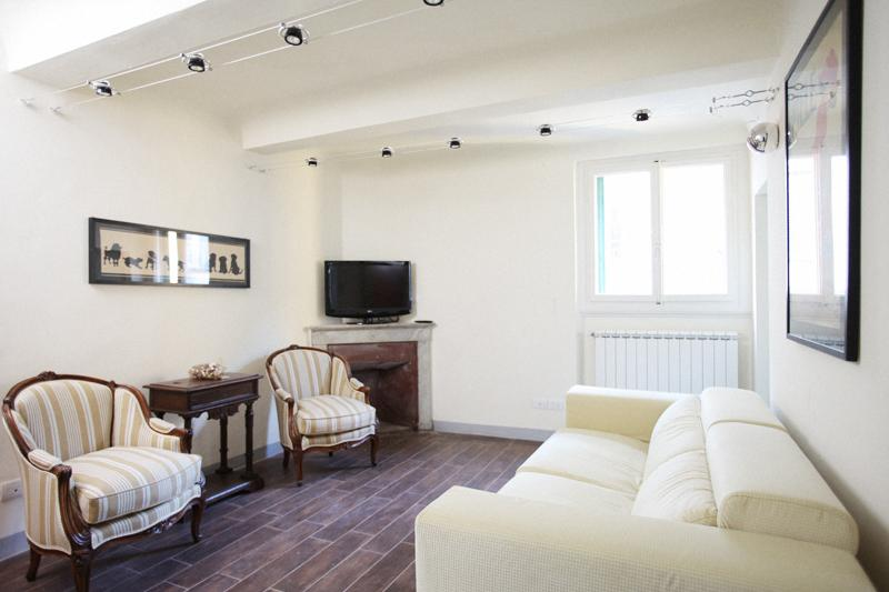 3 Bedroom Florence Apartment in Melegnano - Image 1 - Florence - rentals