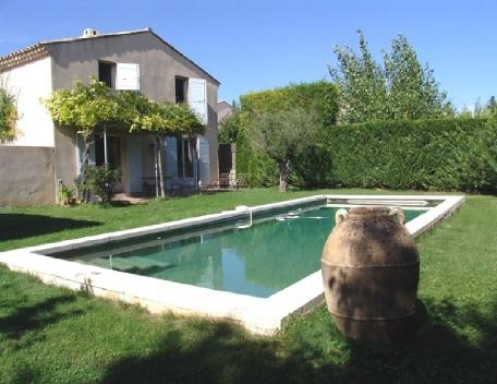 Holiday rental Villas Aix En Provence (Bouches-du-Rhône), 115 m², 1 880 € - Image 1 - Aix-en-Provence - rentals