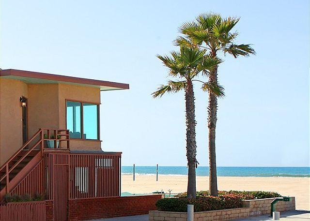 Spacious Oceanfront Single Family Home! Fantastic Ocean Views! (68210) - Image 1 - Newport Beach - rentals