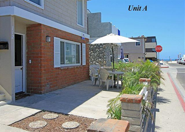 Popular 3 Bedroom Lower Unit! Steps to the Beach! (68184) - Image 1 - Newport Beach - rentals