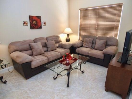 Living Area with Flat Screen TV - CL4P5365DRD 4 BR Amazing Pool Home with Privacy Fence - Orlando - rentals