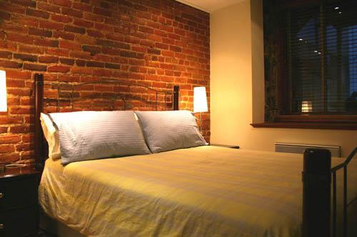 looking into the bedroom - Downtown Montreal Suite-01  HOT TUB, bikes, garden - Montreal - rentals