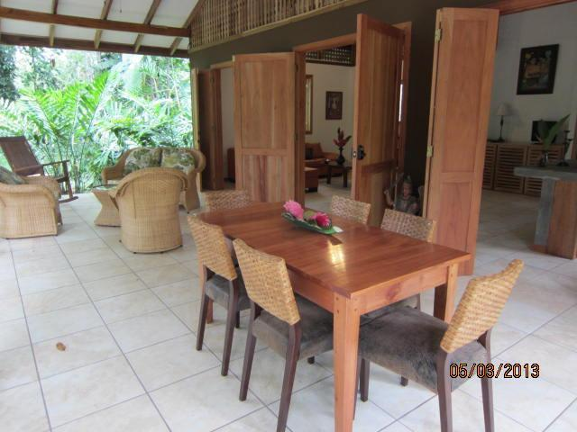 Dining and Seating area on Porch - Caribbean Honeymoon -Cocles Beach - Puerto Viejo de Talamanca - rentals