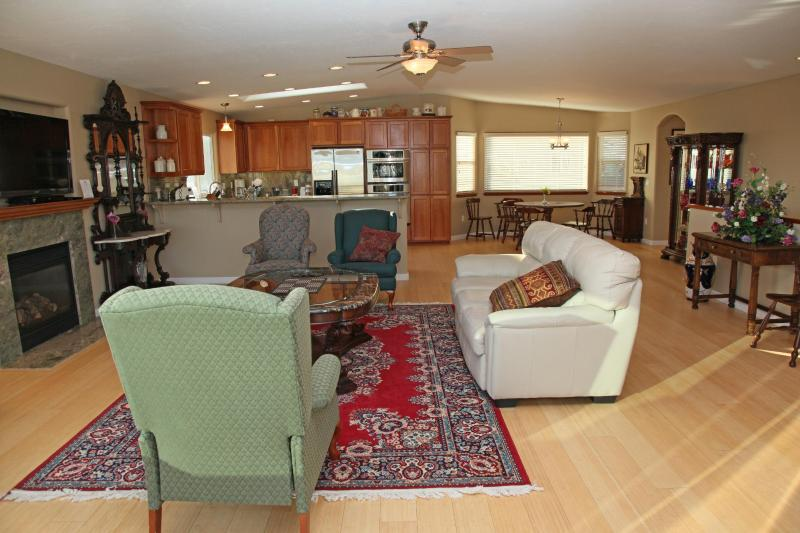 Upstairs 25' X 35' Living Room, Kitchen, and Dining Area - 3 Bedroom House with Gorgeous Ocean Views - Morro Bay - rentals