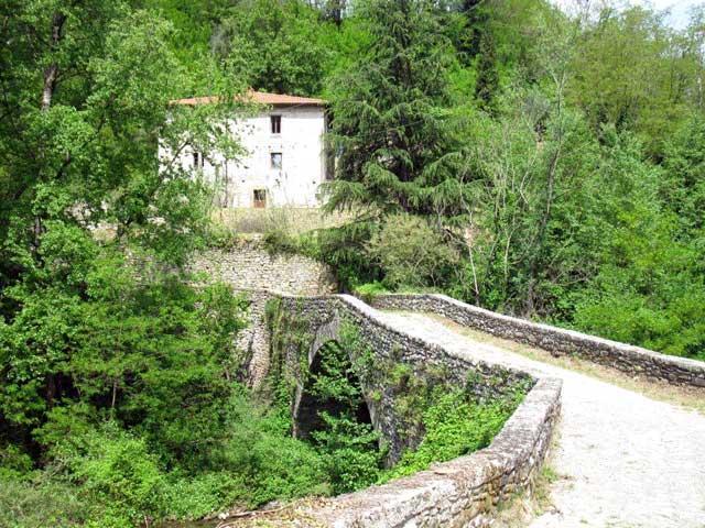 2 Bedroom Tuscan Villa at Ponte Romano - Image 1 - Fivizzano - rentals