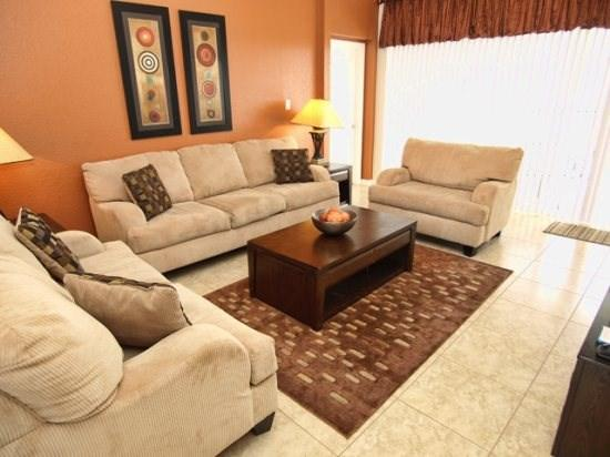 Living Area - WH5P2562AB 5 BR Home with Superb Amenities - Orlando - rentals