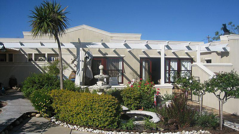 Front view of Cottage - Selfcatering Cottage La Provence for 6, Cape Town - Constantia - rentals