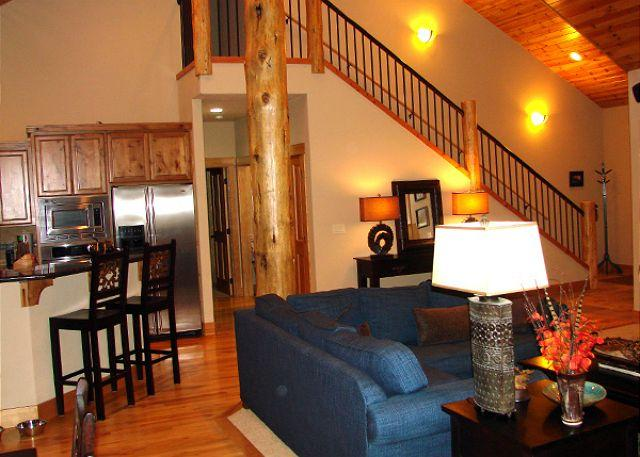 Luxurious Centrally Located Sunriver Home with Bonus Room, bikes, & AC - Image 1 - Sunriver - rentals