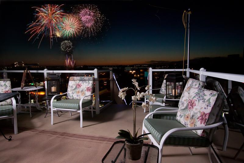 3rd story deck Great fireworks from Sea World - Nightly  Spectacular View of Mission Bay Fireworks - Pacific Beach - rentals