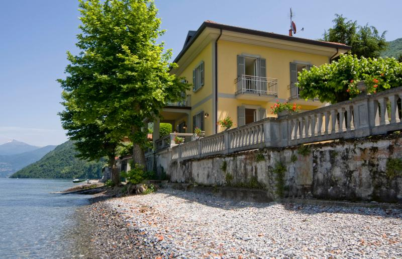 Villa on Lake Como with Pebble Beach - Villa Renzo - Image 1 - Lezzeno - rentals