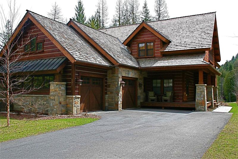 Private and rustic elegance. - Stunning New Lodge Home at the Idaho Club - Sandpoint - rentals