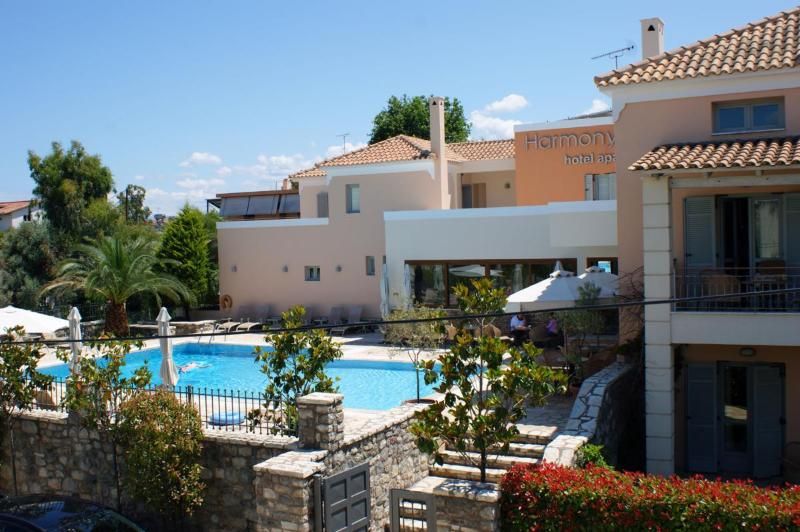 Harmony Hotel Apartments-Peloponnese - Harmony Hotel Apartments Suite ARTEMIS  2-4 Pers - Aiyion - rentals
