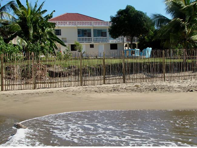 Doc's on the Bay - Image 1 - Treasure Beach - rentals