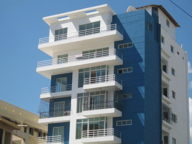 7th floor apt, only 1 apartment per floor - New 7th floor apt in prestigous Bella Vista area - Santo Domingo - rentals
