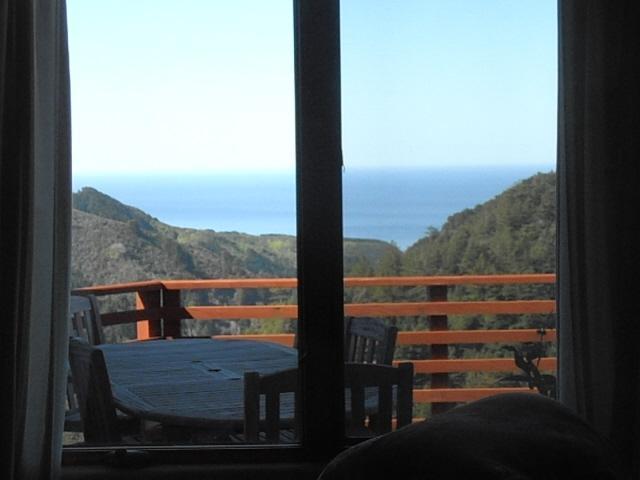 Deck view with Permasteel Propane BBQ. - Dramatic Ocean View, 2-3 Bedroom, Custom Home, Big Sur/ Carmel - Big Sur - rentals
