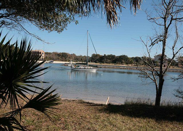 Watch the Boats Sail by on the Intracoastal Waterway! - Image 1 - Palm Coast - rentals