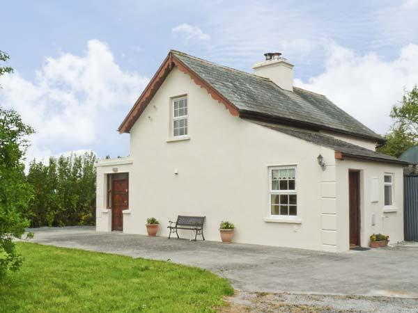 CAPPACURRY COTTAGE , pet friendly, character holiday cottage, with a garden in Ballinrobe, County Mayo, Ref 4668 - Image 1 - Ballinrobe - rentals