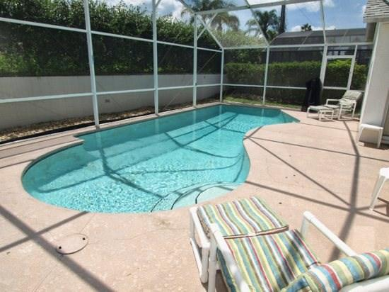 Private screened-in patio with Pool with Conservation View - DL4P507LDB 4 BR Vacation Home with WiFi and South Facing Pool - Davenport - rentals