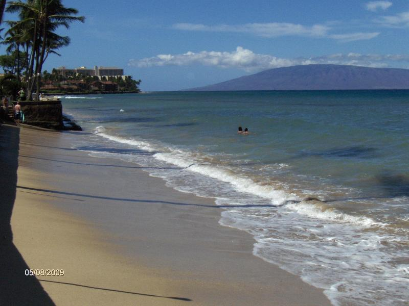 sandy beach just steps from your condo - Ocean front condo on a sandy beach in West Maui - Lahaina - rentals