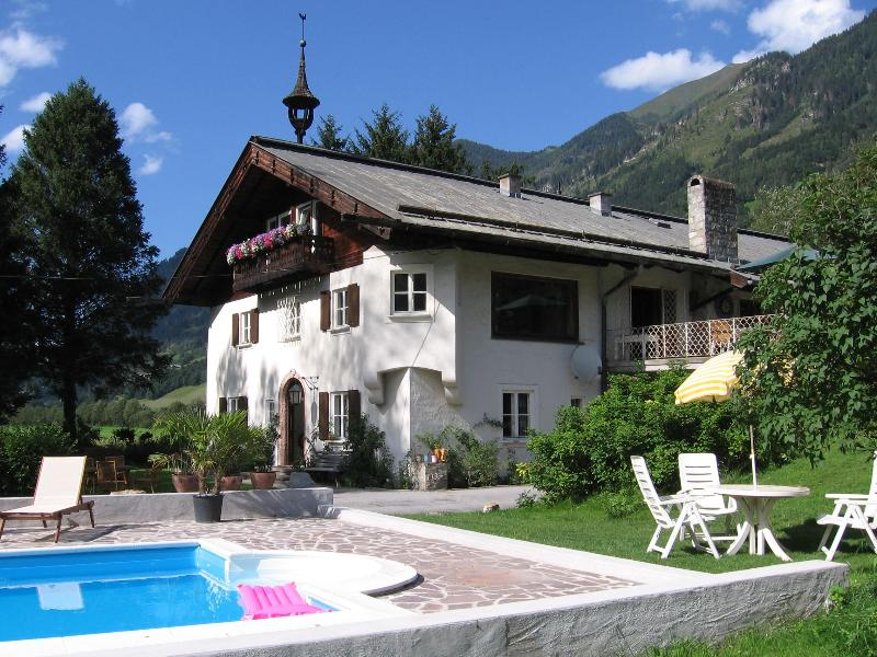 Land house with pool has apartments with  4 bedrooms - Image 1 - Bad Hofgastein - rentals