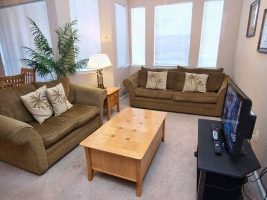Living Area - TR2C311TRC Lovely 2 BR Condo with Digital Cable Connection - Davenport - rentals