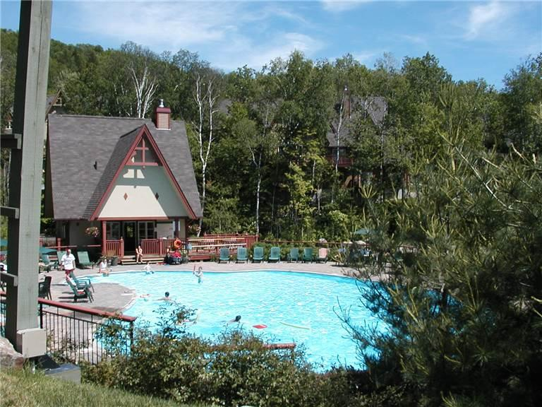 Ideal 2 Bedroom/2 Bathroom House in Mont Tremblant (Le Plateau 224-5) - Image 1 - Mont Tremblant - rentals
