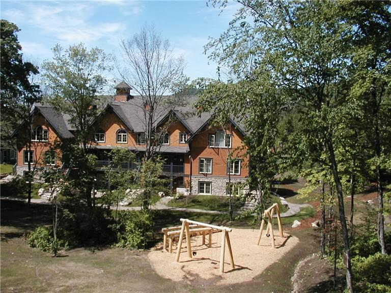 Ideal House in Mont Tremblant (Les Manoirs 102-7) - Image 1 - Mont Tremblant - rentals