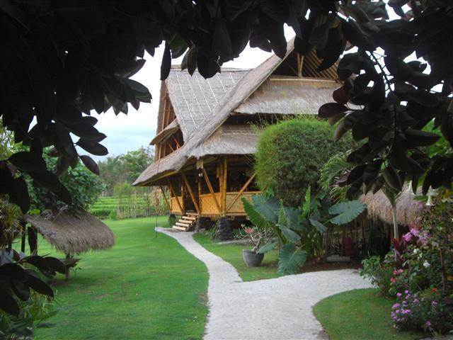entrance - Bali Eco Beach House - Canggu - rentals
