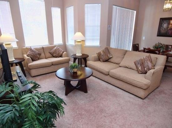 Living Area - TR3C724TRC 3 Bedroom Condo with a Stunning Pool View - Davenport - rentals