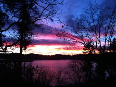 sunset view from deck - 20% off fall Wow! LAKEFRONT CABIN-beach/JACUZZI11P - Lake Arrowhead - rentals