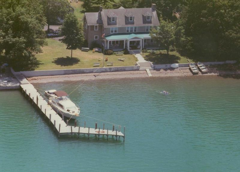 Bed and Breakfast ( 6 Rooms, occupancy 2 in each room) - Driftwood Inn B&B and Lakeside Cottages - Ovid - rentals