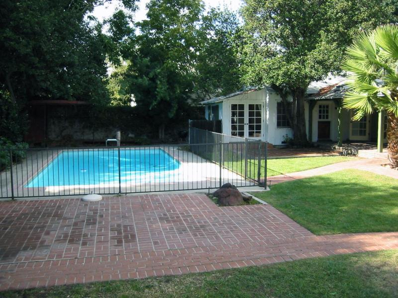 Pool and patio - Frank's Country Rustic Getaway - Los Angeles - rentals