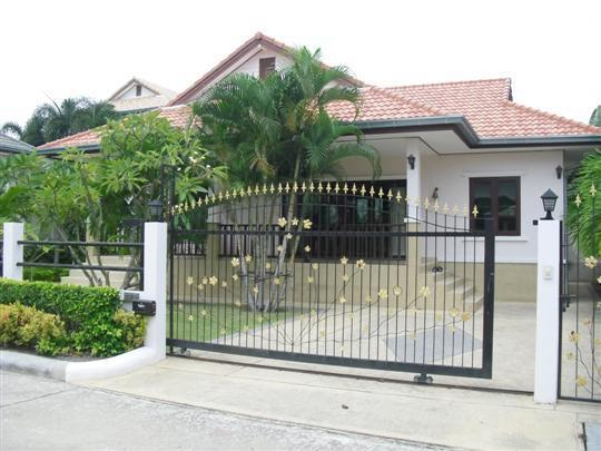 Villas for rent in Hua Hin: V5347 - Image 1 - Hua Hin - rentals