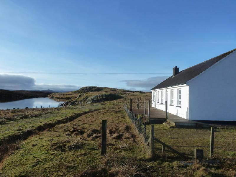 Lochan View Cottage - Lochan View Cottage, Beautiful Loch Side Setting - Great Bernera - rentals