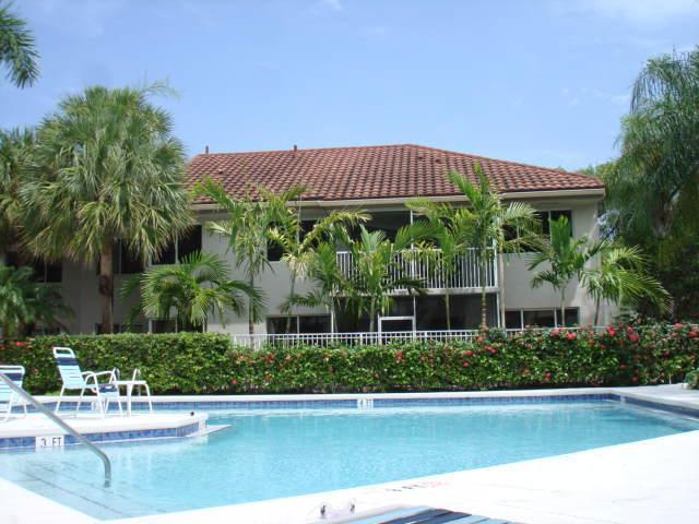 Subject condo on second floor ahead - Cozy Fort Lauderdale/Plantation 3 bedrooms condo - Plantation - rentals